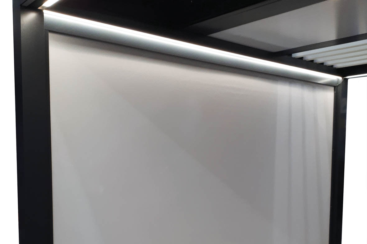 pergola avec sous face de finition et éclairage